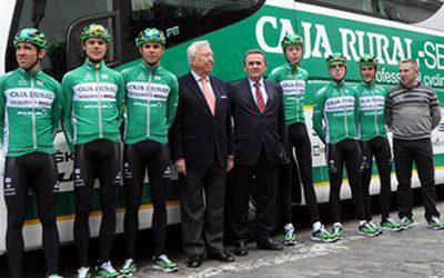 El presidente de Caja Rural del Sur elogia la labor deportiva y solidaria del equipo ciclista Caja Rural-Seguros RGA