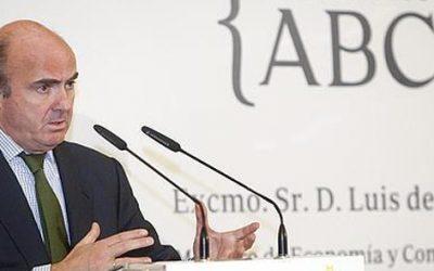 """Caja Rural patrocina """"Encuentros de ABC"""" en Córdoba con el ministro de Economía, Luis de Guindos."""