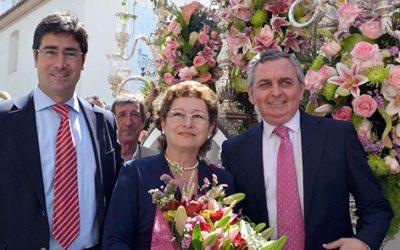 La Hermandad de Huelva recibió la ofrenda floral de Caja Rural del Sur y su Fundación