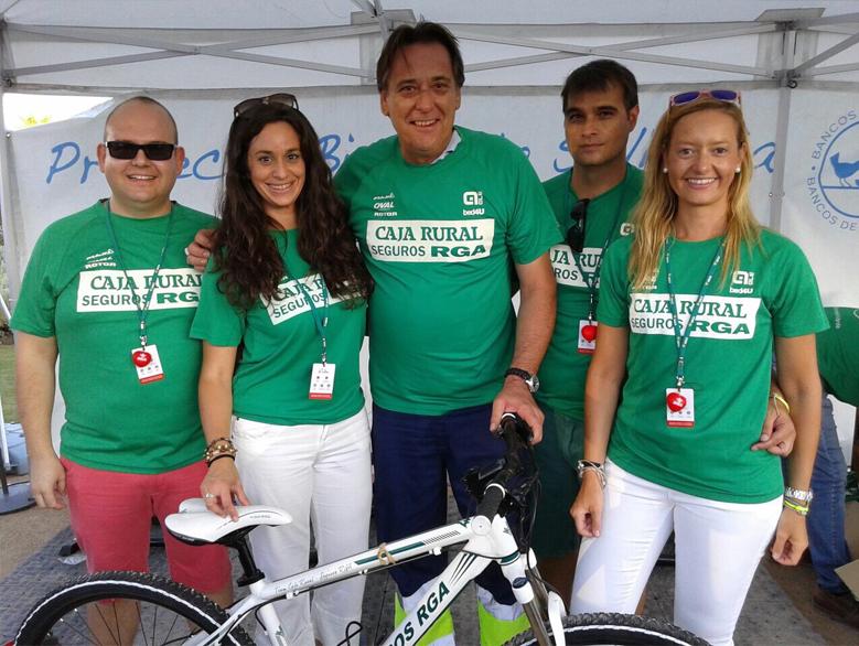Marbella acogi la bicicleta solidaria de caja rural del for Caja rural del sur oficinas