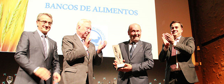 El Grupo Caja Rural recibe la 'Espiga de Oro' 2015 del Banco de Alimentos