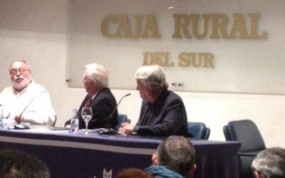 Savater relata la transformación de la ciudad a través de los tiempos con el auditorio de la Caja Rural al completo