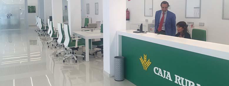 Caja rural del sur inaugura oficina en la avenida de reina for Caja rural del sur oficinas
