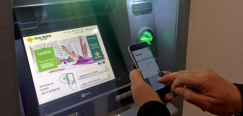 Caja Rural del Sur ofrece la operativa 'DiMo' para enviar dinero en efectivo a cajeros y poder retirarlo sin necesidad de tarjeta