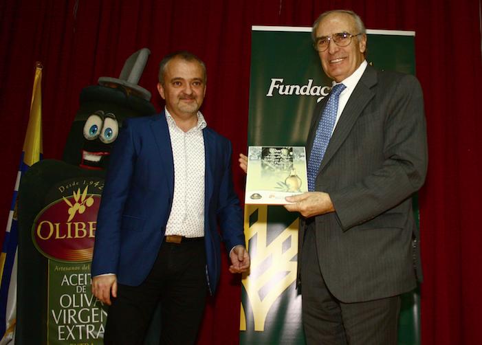 Olibeas galardona en la Feria del Aceite de Oliva a Caja Rural del Sur y su Fundación por el apoyo que recibe la cooperativa