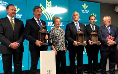 """Caja Rural del Sur entrega los XIV """"Premios Taurinos Pepe Luis Vázquez"""""""
