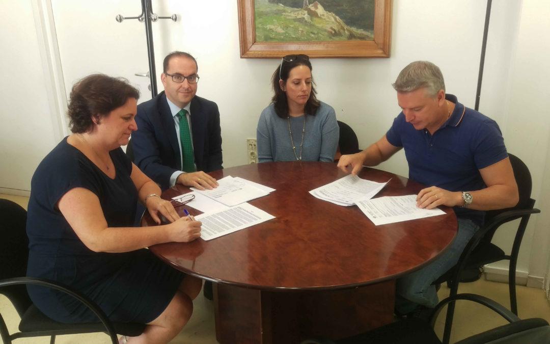 Caja Rural del Sur firma con el ayuntamiento de Herrera (Sevilla) una operación de apoyo financiero del O.P.A.E.F.