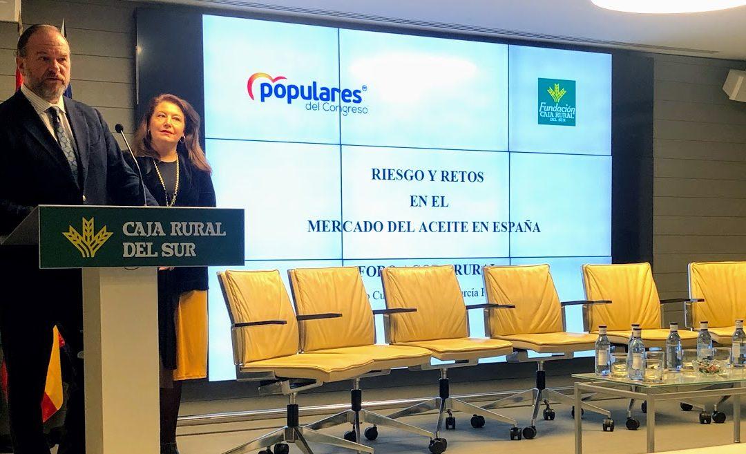 Los riesgos y retos en el mercado del aceite de oliva en España analizados en Caja Rural del Sur