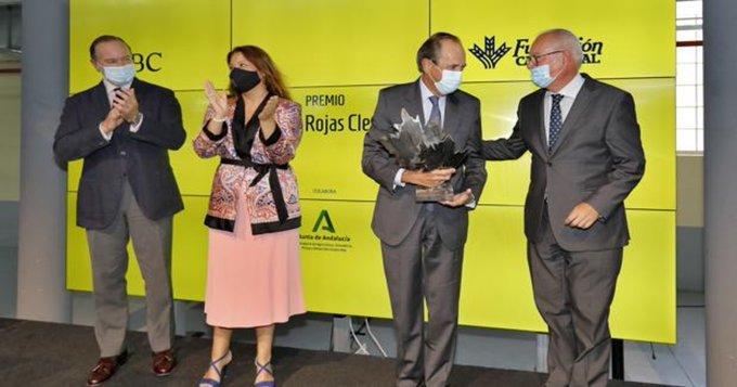 José Luis de Pablo-Romero recibe el XII Premio Simón de Rojas Clemente de ABC y Fundación Caja Rural del Sur