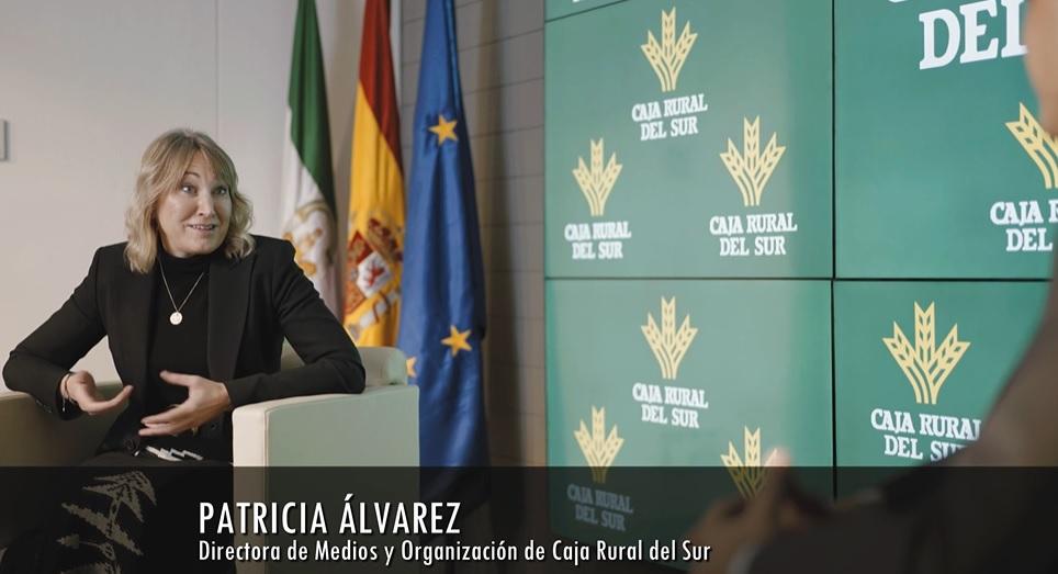 Entrevista a Patri Álvarez, Directora de Medios y Organización deCaja Rural del Sur sobre la transformación digital de la entidad