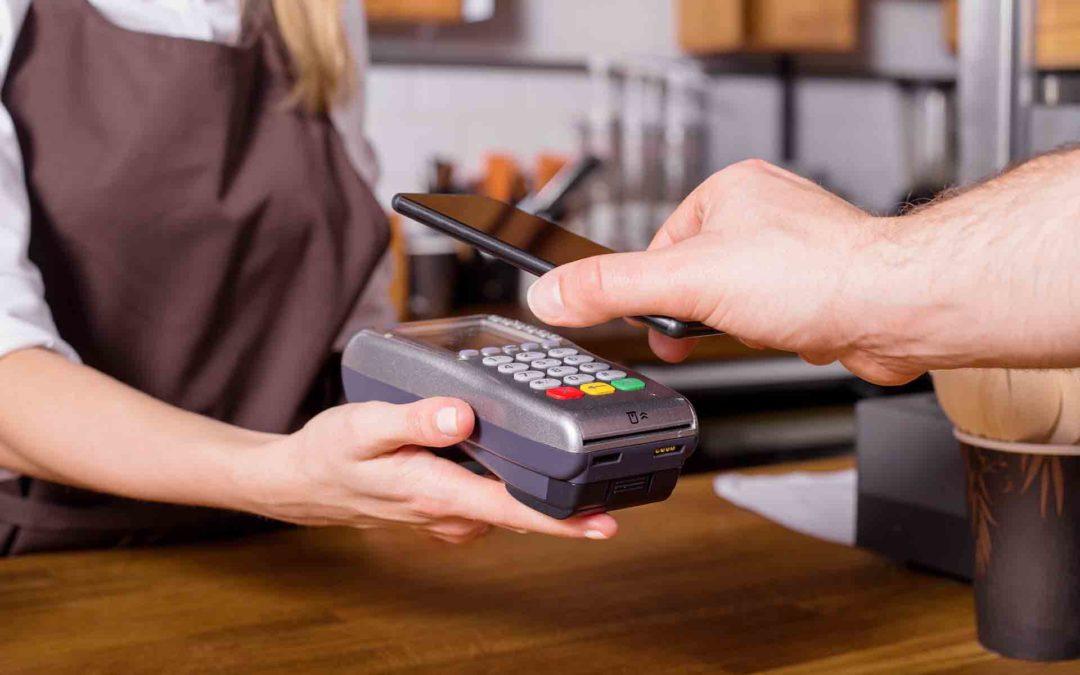Disfruta del pago móvil durante las vacaciones: las apps de Caja Rural del Sur