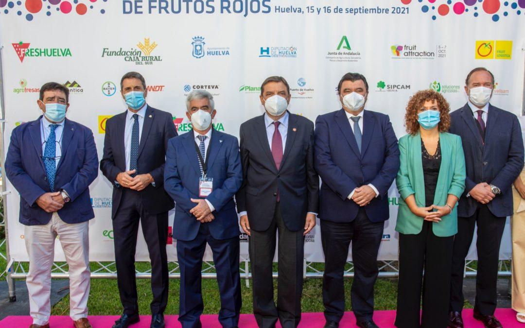 Se celebra el VI Congreso Internacional de Frutos Rojos con el apoyo de Caja Rural del Sur